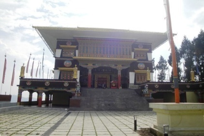 http://media-cdn.tripadvisor.com/media/photo-s/06/10/fd/fc/ngadak-monastery.jpg