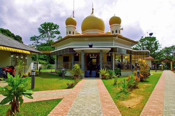 http://www.penanghill.gov.my/images/attraction/mosque1.jpg