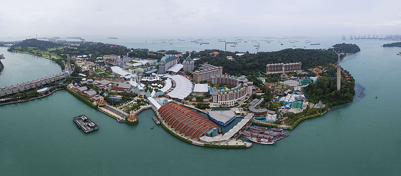 https://upload.wikimedia.org/wikipedia/commons/thumb/c/c3/1_sentosa_aerial_2016.jpg/800px-1_sentosa_aerial_2016.jpg