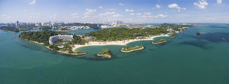 https://upload.wikimedia.org/wikipedia/commons/thumb/9/97/1_sentosa_aerial_panorama_2016_from_south.jpg/800px-1_sentosa_aerial_panorama_2016_from_south.jpg