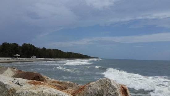 Azheekal Beach