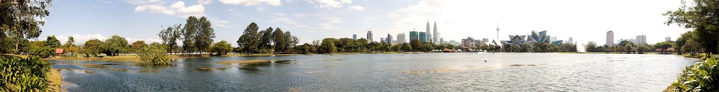 https://upload.wikimedia.org/wikipedia/commons/6/6d/Kuala_Lumpur_-_Titiwangsa_-_Panorama_0002.JPG
