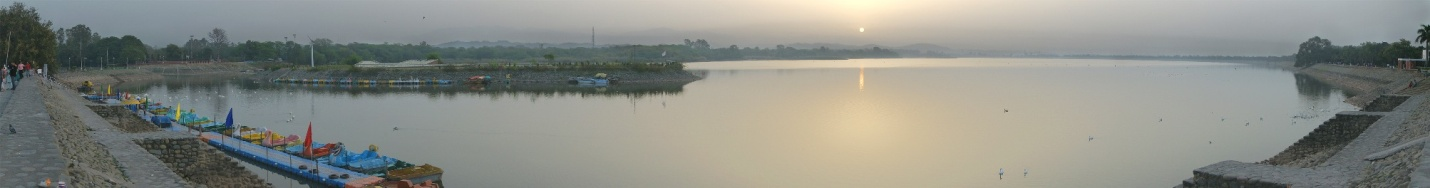 C:\Users\user\Pictures\Agra\Sukhna_Lake_in_the_morning.jpg