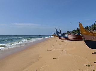 https://upload.wikimedia.org/wikipedia/commons/thumb/5/5d/Anjengo_Kerala1.jpg/320px-Anjengo_Kerala1.jpg