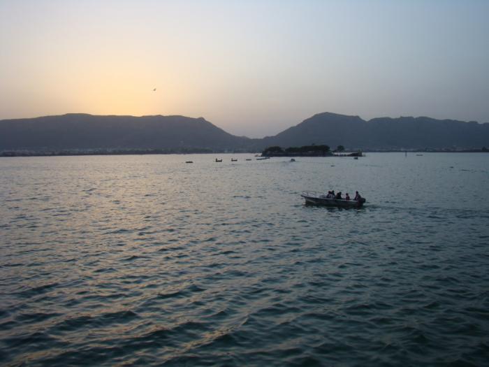 Image result for ana sagar lake wikipedia images