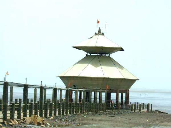Submerging temple