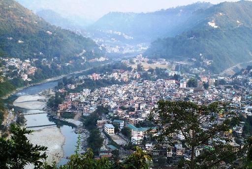 Exploring the quaint town of Mandi